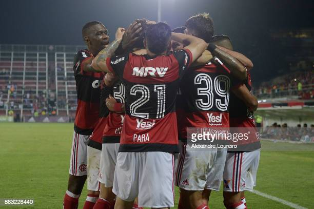 Players of Flamengo celebrates a scored goal by Diego during the match between Flamengo and Bahia as part of Brasileirao Series A 2017 at Ilha do...