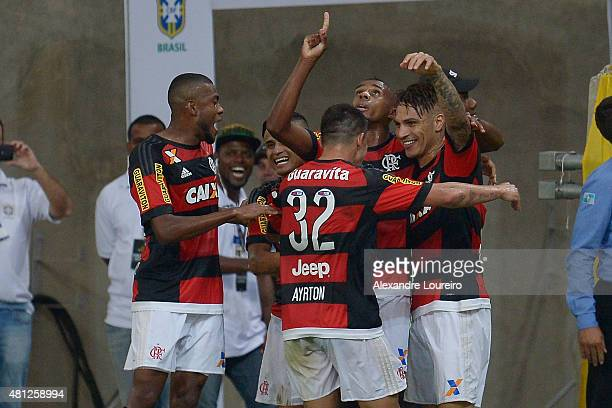 Players of Flamengo celebrates a scored goal by Paolo Guerrero during the match between Flamengo and Gremio as part of Brasileirao Series A 2015 at...