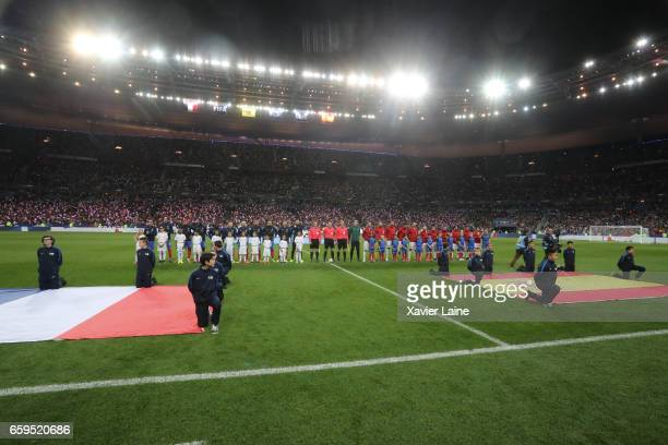 Players of France and Spain pose during the Friendly game between France and Spain at Stade de France on march 28 2017 in Paris France