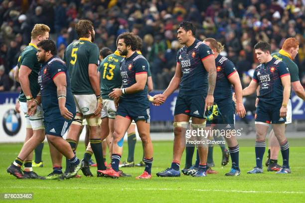 Players of France felicite the South Africa team and are disapointed after the test match between France and South Africa at Stade de France on...