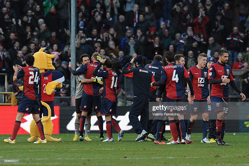 Players of Genoa CFC celebrate victory at the end of the Serie A match between Genoa CFC and SS Lazio at Stadio Luigi Ferraris on February 3, 2013 in Genoa, Italy.