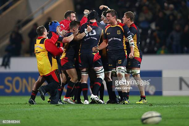 Players of Germany celebrate after an international match between Germany and Uruguay at Frankfurter VolksbankStadion on November 12 2016 in...
