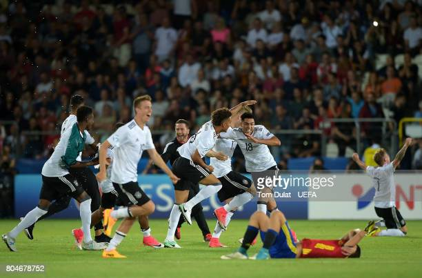 Players of Germany celebrate after winning the the UEFA European Under21 Championship Final match between Germany and Spain on June 30 2017 in Krakow...