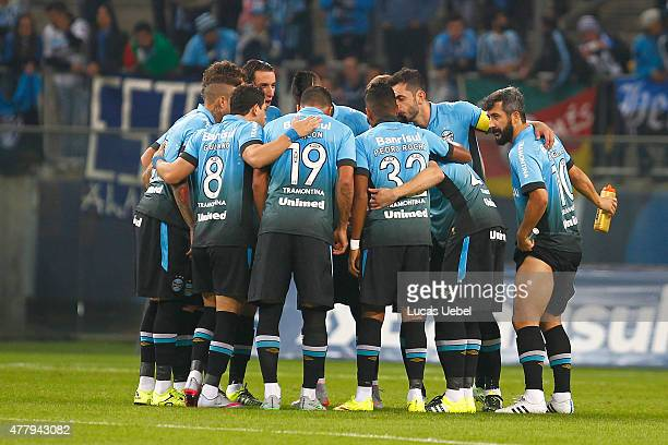 Players of Gremio before the match Gremio v Palmeiras as part of Brasileirao Series A 2015 at Arena do Gremio on June 20 2015 in Porto Alegre Brazil