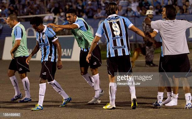 Players of Grêmio celebrate a goal during a match between Grêmio and Ponte Preta as part of the Brazilian Championship Serie A at Olímpico stadium on...