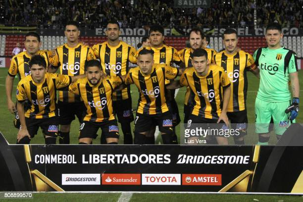 Players of Guarani pose prior a first leg match between Guarani and River Plate as part of round of 16 of Copa CONMEBOL Libertadores Bridgestone 2017...