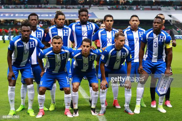 Players of Honduras pose for a team photo prior to the match between Mexico and Honduras as part of the FIFA 2018 World Cup Qualifiers at Azteca...