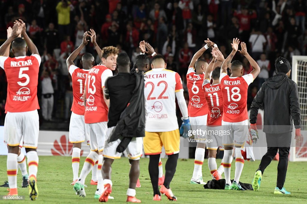 Players of Independiente Santa Fe celebrate after winning the match between Independiente Santa Fe and Millonarios as part of Liga Aguila II 2017 at Nemesio Camacho Stadium on August 27, 2017 in Bogota, Colombia.