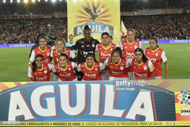 Players of Independiente Santa Fe pose for a team photo prior a second leg match between Independiente Santa Fe and Atletico Huila as part of Liga...