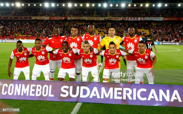 Players of Independiente Santa Fe pose for a team photo prior to a second leg match between Independiente Santa Fe and Libertad as part of round of...