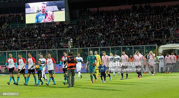 Players of Inter and Palermo during the Serie a match between US Citta di Palermo and FC Internazionale Milano at Stadio Renzo Barbera on October 24...