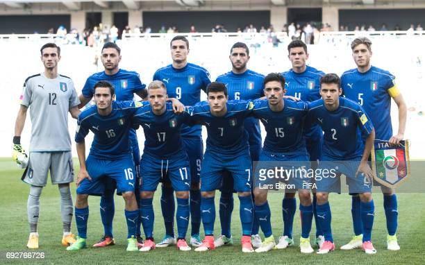 Players of Italy pose for a picture during the FIFA U20 World Cup Korea Republic 2017 Quarter Final match between Italy and Zambia at Suwon World Cup...