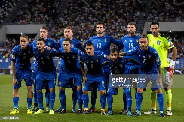 Players of Italy pose for a team photo prior to the FIFA 2018 World Cup Qualifier between Italy and Israel Italy wins 10 over Israel