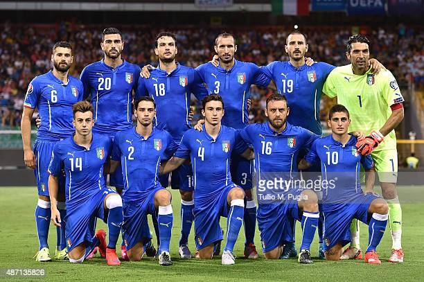 Players of Italy pose for a team shot during the UEFA EURO 2016 Qualifier match between Italy and Bulgaria on September 6 2015 in Palermo Italy