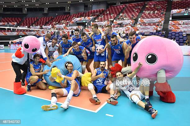Players of Italy pose for photo after winning the match against Australia during the FIVB Men's Volleyball World Cup Japan 2015 at the Hiroshima...