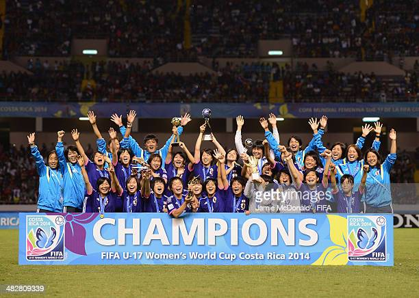 Players of Japan celebrate winning the FIFA U17 Women's World Cup during the FIFA U17 Women's World Cup Final between Japan and Spain at Estadio...