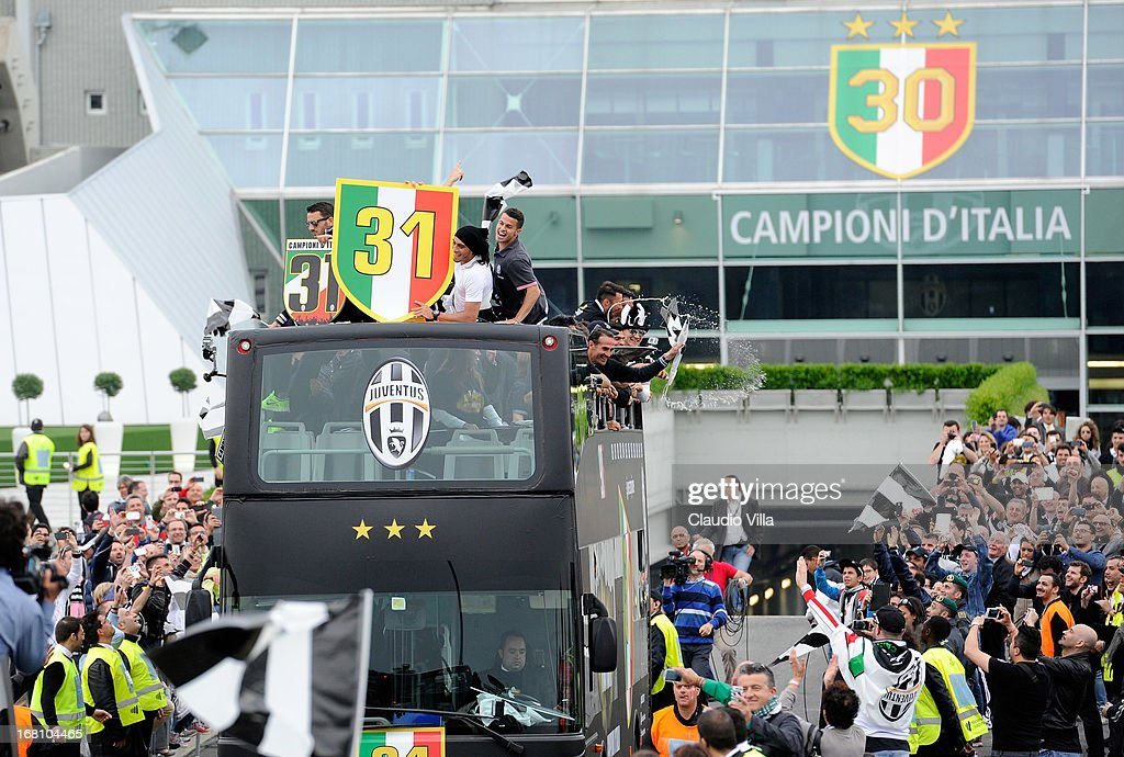 Players of Juventus FC celebrate at the end of the Serie A match between Juventus and US Citta di Palermo at Juventus Arena on May 5, 2013 in Turin, Italy.