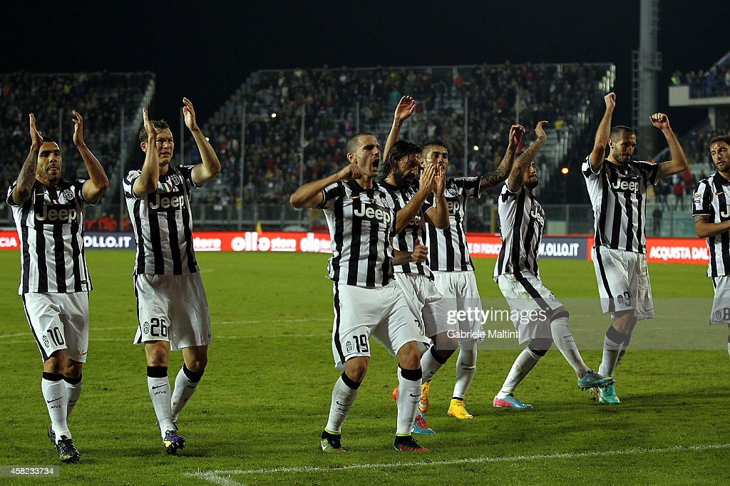 Players of Juventus FC celebrates the victory after the Serie A match between Empoli FC and Juventus FC at Stadio Carlo Castellani on November 1, 2014 in Empoli, Italy.
