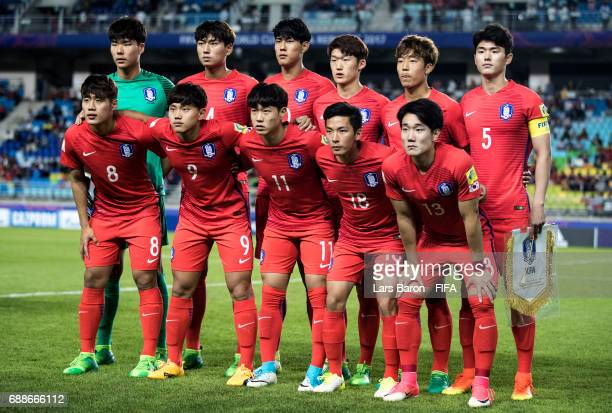 Players of Korea pose for a picture during the FIFA U20 World Cup Korea Republic 2017 group A match between England and Korea Republic at Suwon World...