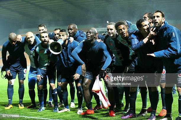 Players of Le Havre celebrate with their fans after defeating Laval during the Ligue 2 match between Stade Lavallois and Le Havre AC on November 4...