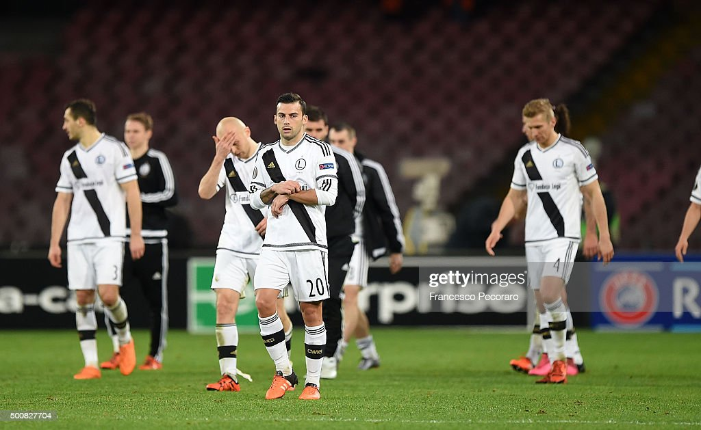 Players of Legia Warszawa show their disappointment after the UEFA Europa League Group D match between SSC Napoli and Legia Warszawa on December 10...