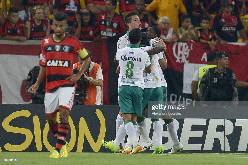 Players of Leon celebrates a scored goal of Arizala during a match between Flamengo and Leon as part of Copa Bridgestone Libertadores 2014 at...