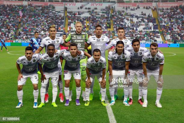 Players of Leon pose prior the 15th round match between Leon and Puebla as part of the Torneo Clausura 2017 Liga MX at Nou Camp Stadium on April 22...