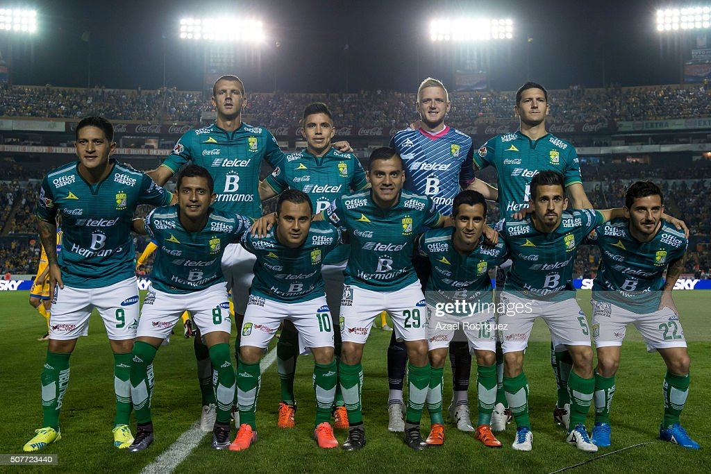 Players of Leon pose prior the fourth round match between Tigres and Leon as part of the Clausura 2016 Liga MX at Universitario Stadium on January 30...