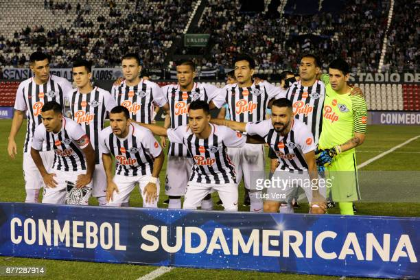 Players of Libertad pose for a photo prior a first leg match between Libertad and Independiente as part of the semifinals of Copa CONMEBOL...