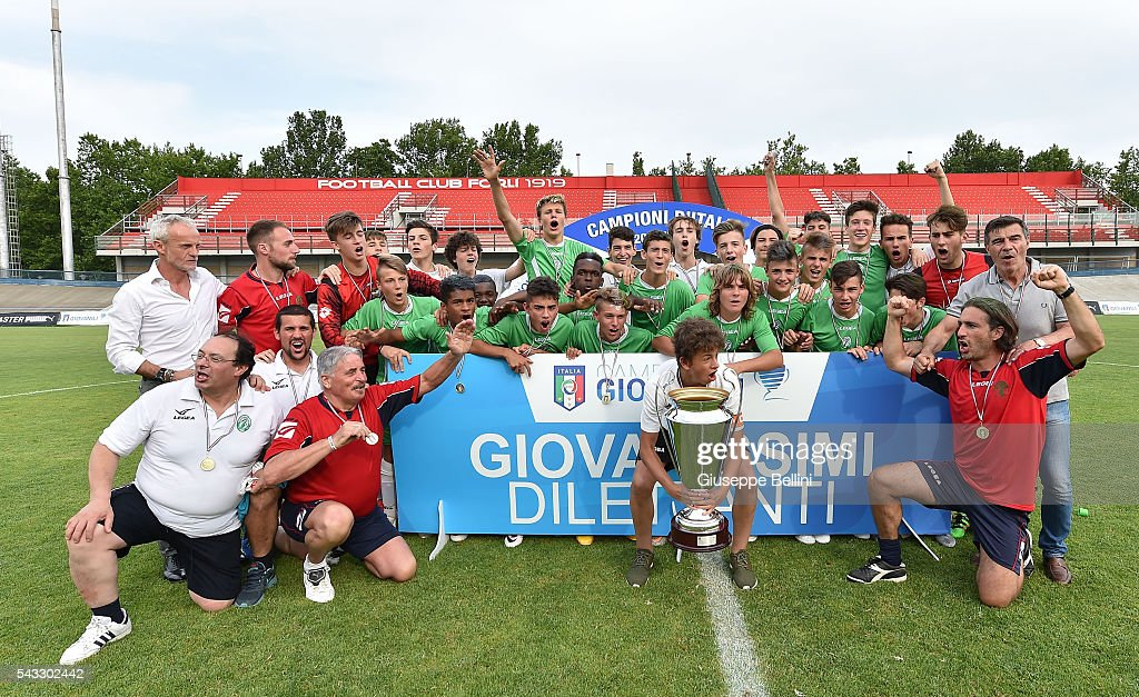 Players of Liventina celebrate the victory after the Finale Nazionale Giovanissimi Dilettanti between Virtus Bergamo and Liventina at Tullo Morgagni on June 27, 2016 in Forli, Italy.