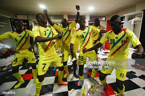 Players of Mali celebrate in the dressing room after the FIFA U17 World Cup Chile 2015 Quarter Final match between Croatia and Mali at Estadio Nelson...
