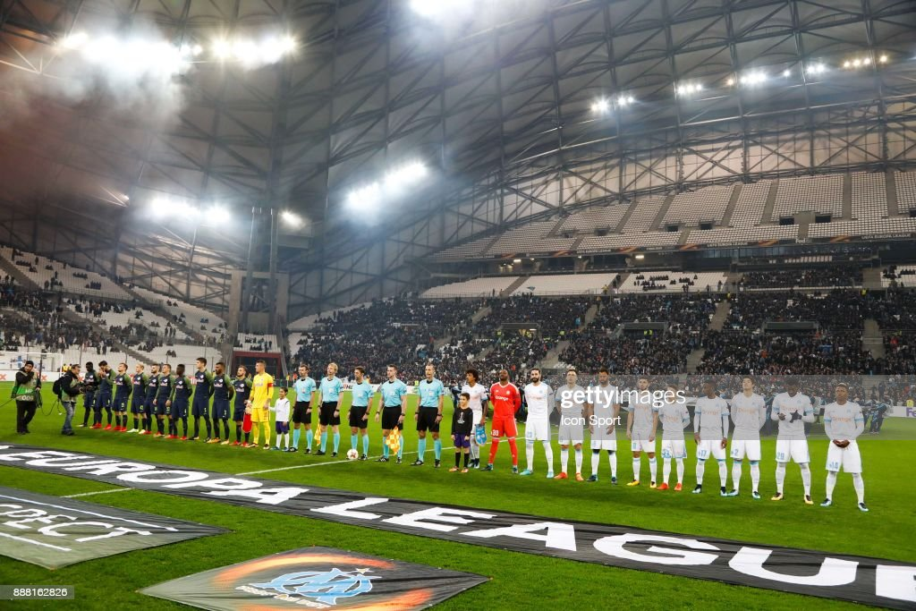 Players of Marseille and Salzburg during the Uefa Europa League match between Olympique de Marseille and Red Bull Salzburg at Stade Velodrome on December 7, 2017 in Marseille, France.