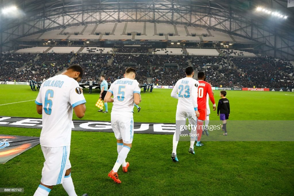 Players of Marseille during the Uefa Europa League match between Olympique de Marseille and Red Bull Salzburg at Stade Velodrome on December 7, 2017 in Marseille, France.