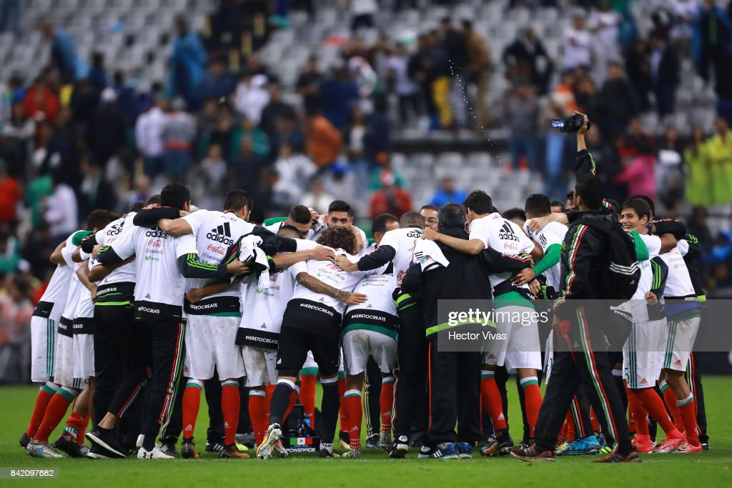 Players of Mexico celebrate after winning the match between Mexico and Panama as part of the FIFA 2018 World Cup Qualifiers at Estadio Azteca on September 1, 2017 in Mexico City, Mexico. Mexico is now qualified to the FIFA 2018 World Cup.