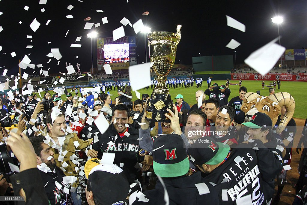 Players of Mexico celebrate during the Final Caribbean Series Baseball 2013 in Sonora Stadium on february 7, 2013 in Hermosillo, Mexico.