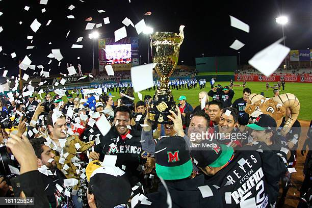 Players of Mexico celebrate during the Final Caribbean Series Baseball 2013 in Sonora Stadium on february 7 2013 in Hermosillo Mexico