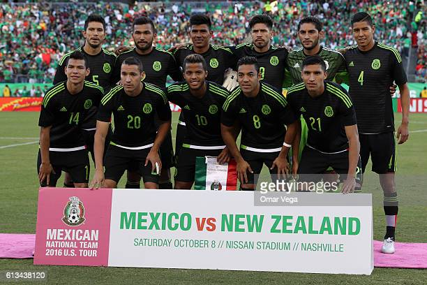 Players of Mexico pose prior the International Friendly Match between Mexico and New Zealand at Nissan Stadium on October 08 2016 in Nashville United...