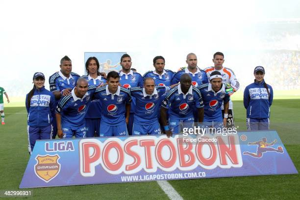 Players of Millonarios pose for a photo before a match between Millonarios and Deportivo Cali as part of the Liga Postobon I 2014 at Nemesio Camacho...