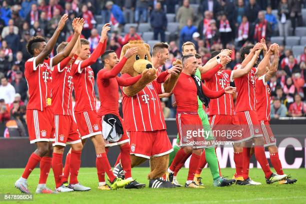 Players of Muenchen celebrate after the Bundesliga match between FC Bayern Muenchen and 1 FSV Mainz 05 at Allianz Arena on September 16 2017 in...