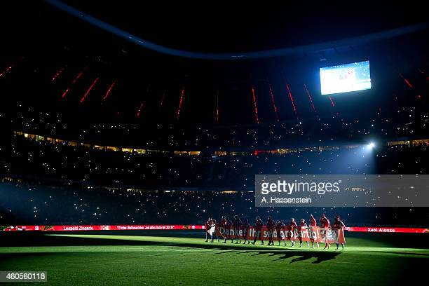 Players of Muenchen celebrate with the supporters after the Bundesliga match between FC Bayern Muenchen and SC Freiburg at Allianz Arena on December...