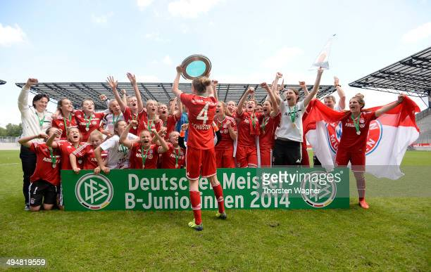 Players of Muenchen celebrates after winning the girls bjunior final match between FC Bayern Muenchen and 1FFC Turbine Potsdam at stadium 'An der...