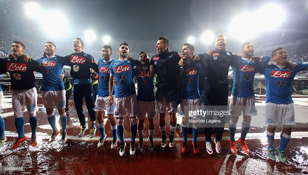 Players of Napoli celebrates after the Serie A match between SSC Napoli and Frosinone Calcio at Stadio San Paolo on May 14, 2016 in Naples, Italy.
