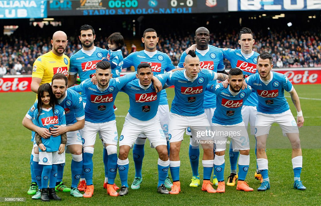 Players of Napoli pose for a photo prior the Serie A match between SSC Napoli and Carpi FC at Stadio San Paolo on February 7, 2016 in Naples, Italy.