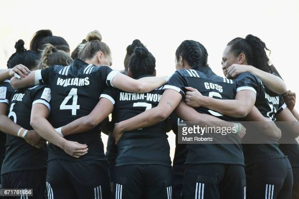 Players of New Zealand huddle prior to the HSBC World Rugby Women's Sevens Series 2016/17 Kitakyushu cup final between Canada and New Zealand at...