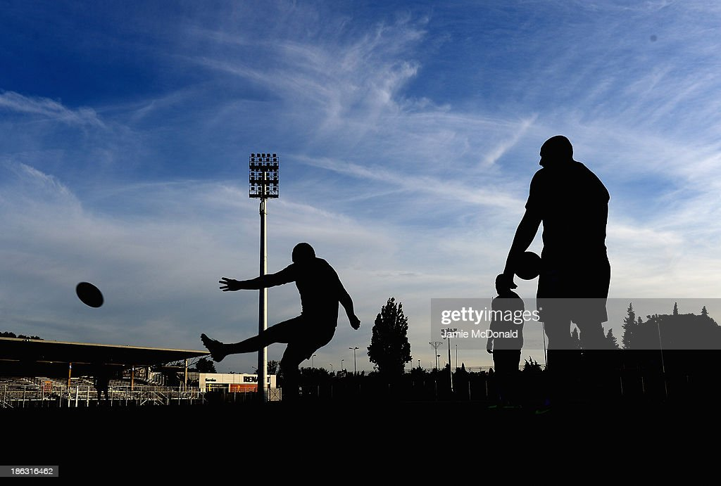 Players of New Zealand prctice their kicking during a New Zealand training session at the Parc des Sports Stadium on October 30, 2013 in Avignon, France.