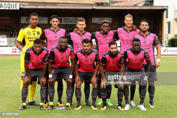 Players of of Toulouse pose for a team picture during the friendly match between Toulouse FC and Deportivo Alaves on July 19 2017 in Saint Jean de...