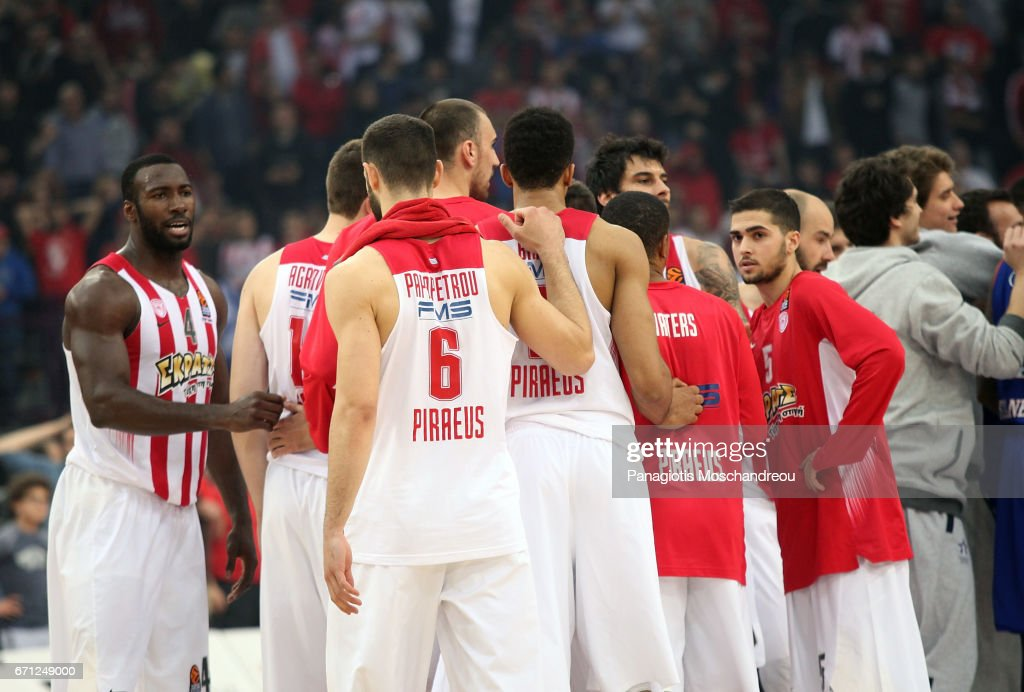 Players of Olympiacos react during the 2016/2017 Turkish Airlines EuroLeague Playoffs leg 2 game between Olympiacos Piraeus v Anadolu Efes Istanbul at Peace and Friendship Stadium on April 21, 2017 in Athens, Greece.