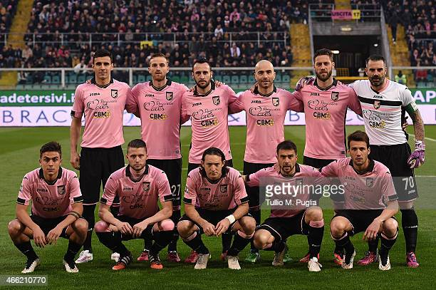 players of Palermo pose for a team shot during the Serie A match between US Citta di Palermo and Juventus FC at Stadio Renzo Barbera on March 14 2015...