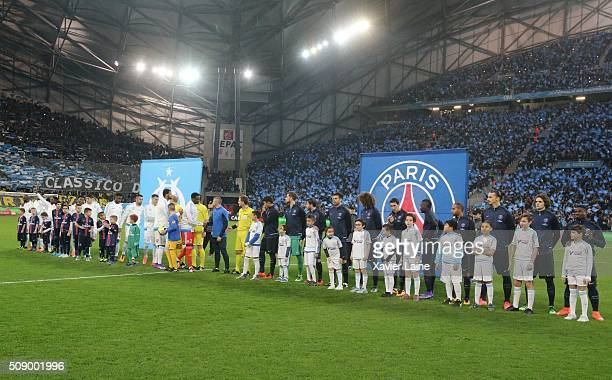 Players of Paris SaintGermain and Olympique de Marseille before the French Ligue 1 between Olympique de Marseille and Paris SaintGermain at Stade...