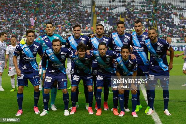 Players of Puebla pose prior the 15th round match between Leon and Puebla as part of the Torneo Clausura 2017 Liga MX at Nou Camp Stadium on April 22...
